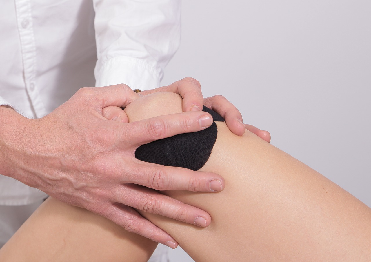 Signs that it is time to see a knee doctor