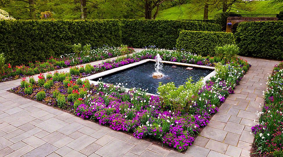 20427957 – fountain garden at longwood gardens, pennsylvania.