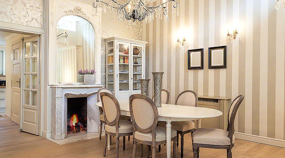 Vintage mansion – dining corner